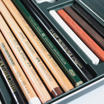 Faber-Castell - Caja De Lata Con 12 Lápices Pitt Monochrome